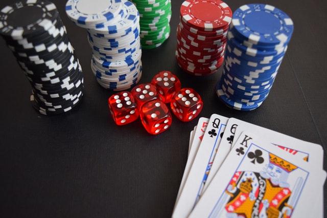 Få råd til julegaverne med lækre gevinster fra Casumo casino